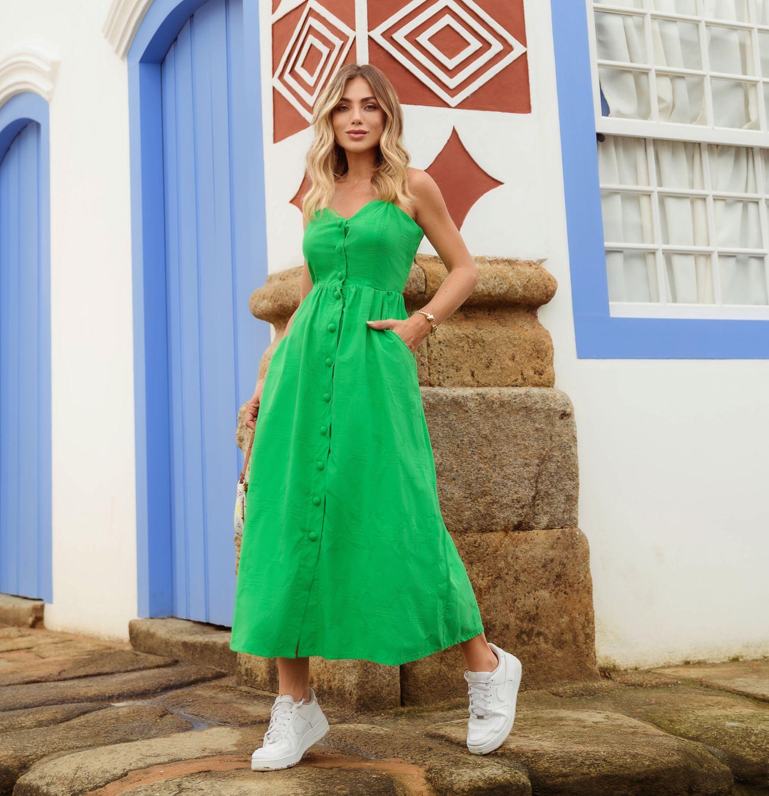 Vestido Karin Midi Tecido Misto (Forro) Detalhe Decote Coração Fechamento Frontal Botões