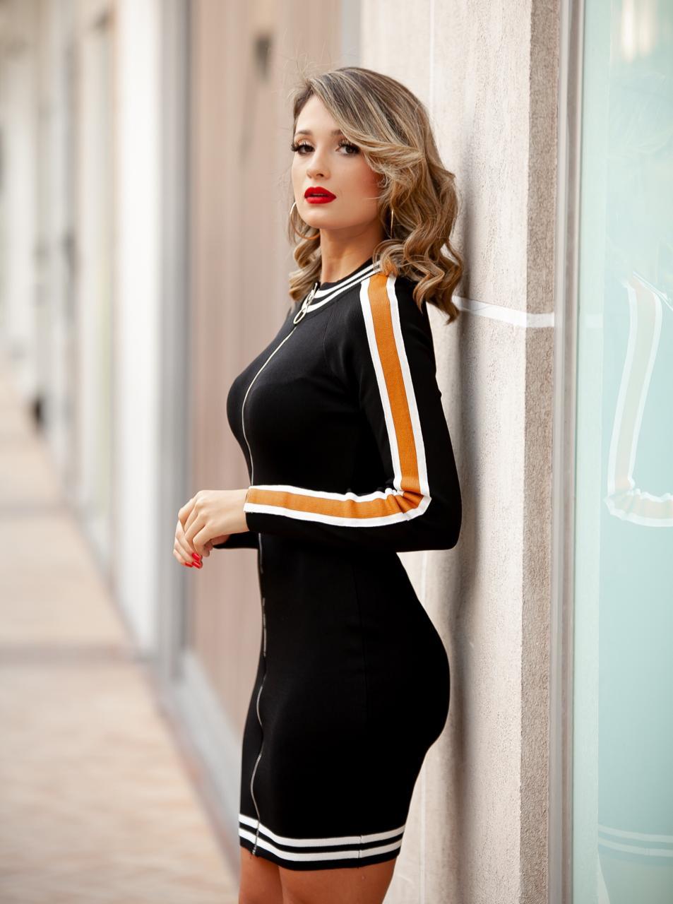 Vestido Leticia Tricot  Retilínea Detalhe Gola Listras