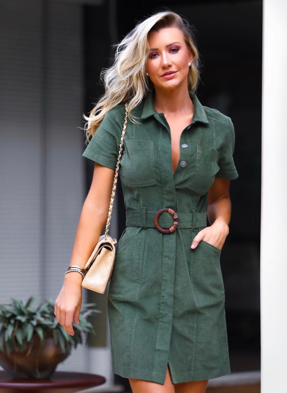 Vestido London Midi Veludo Cotele 3% Elastano Com Cinto Cores Verde, Areia e Preto