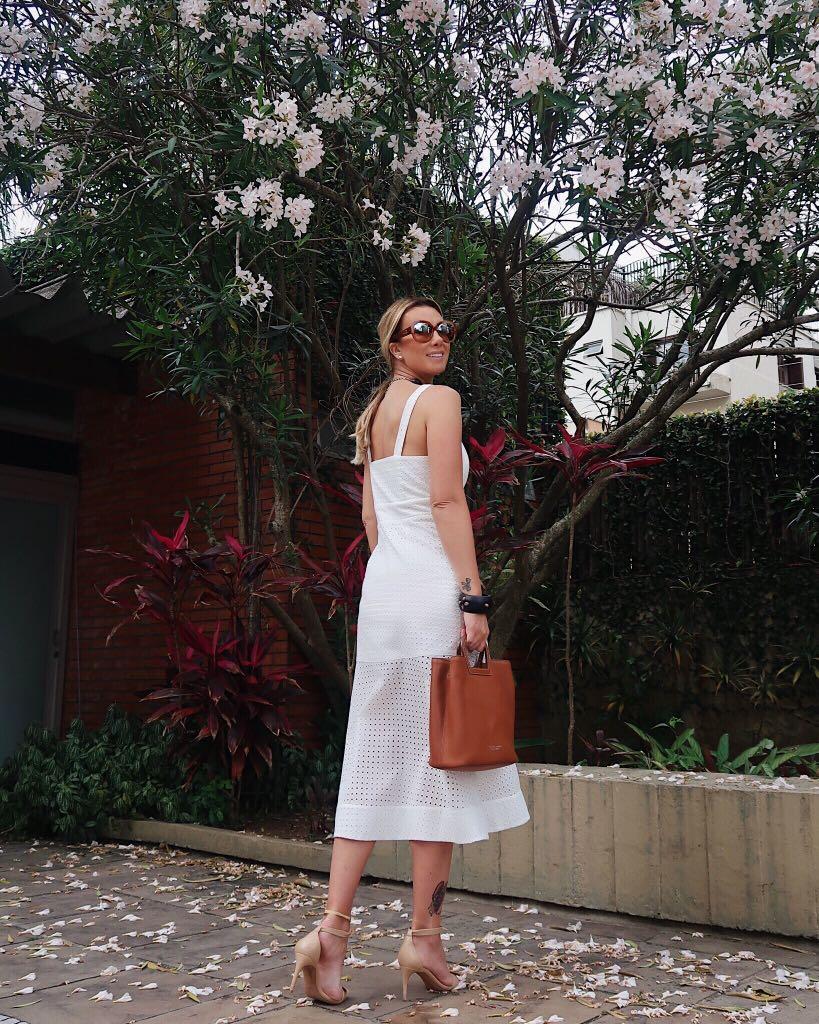Vestido Luzia Laise Recorte Frente Cor Off e Rose