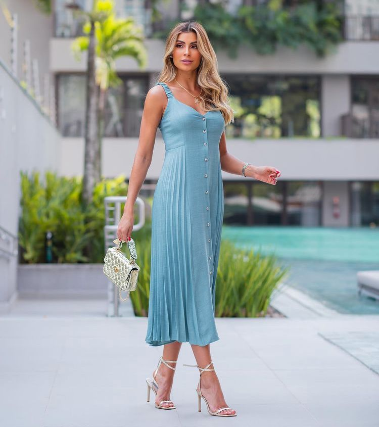 Vestido Morina Kayla Crepe Detalhe Plissado Lateral Botões