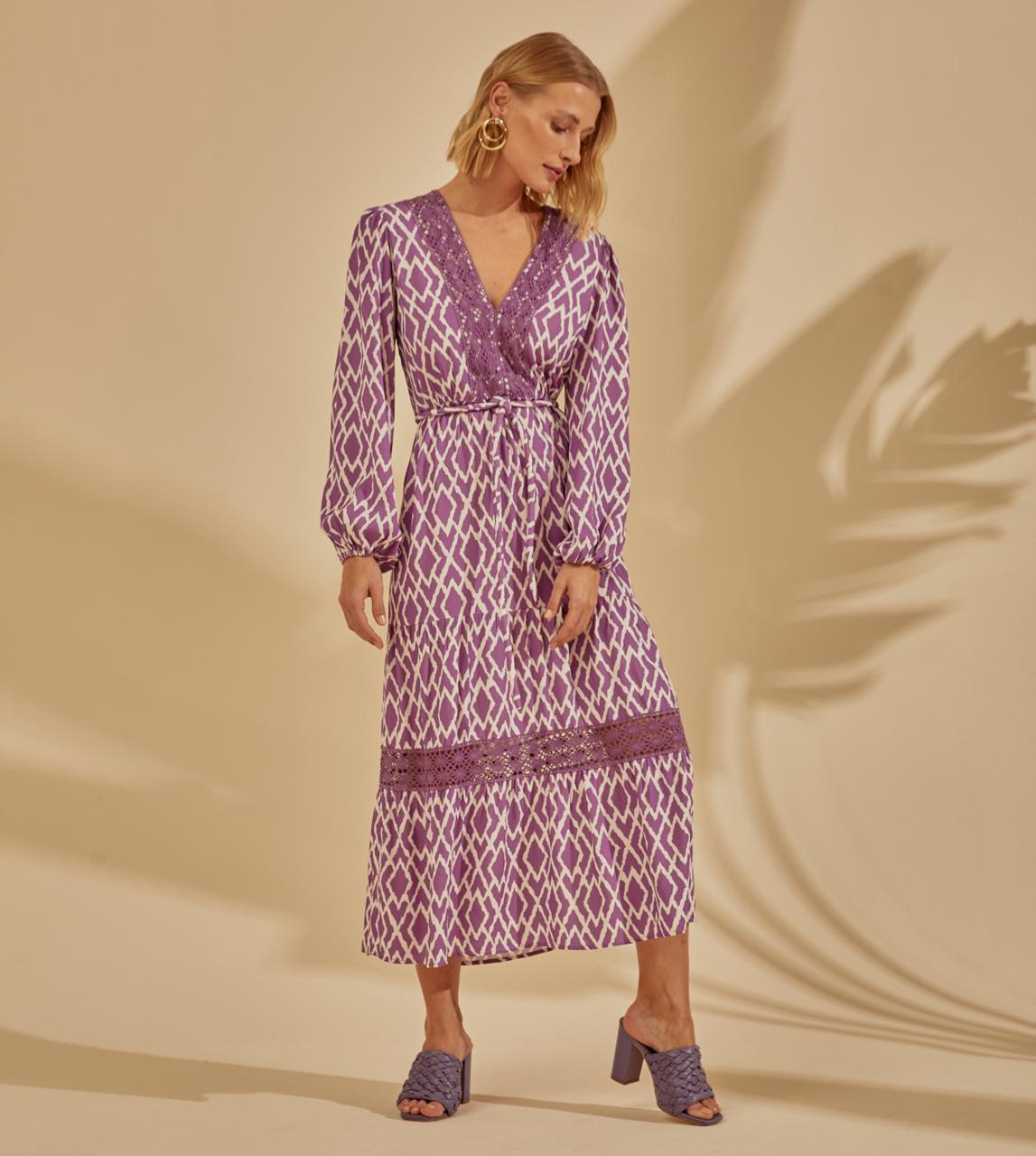 Vestido Silvia Viscose Print Detalhe Decote Renda