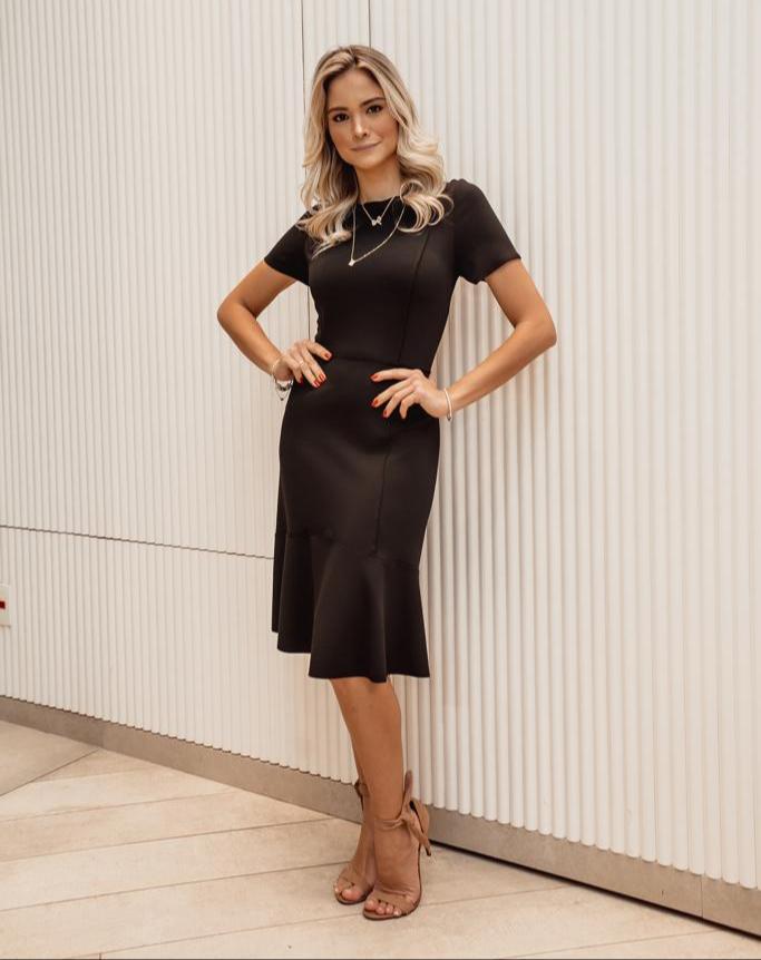 Vestido Veronica  Midi Recortes Malha Crepe