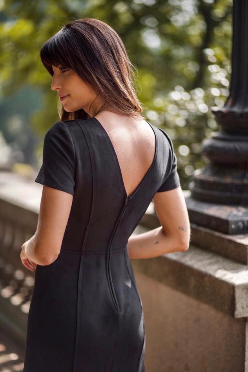 Vestido Veronica  Midi Recortes Cores Preto, Caramelo,Terra e Militar