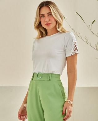 Blusa Basica em Malha com Renda Unique Chic