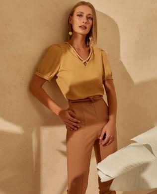 Blusa em Crepe com Detalhe de Corda Unique Chic