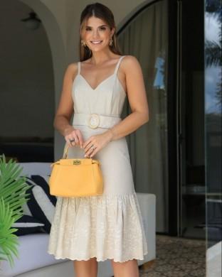 Vestido Midi em Linho com Bordados com fivela rustica Aramodu