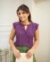 Blusa de Poas com Renda no Decote Doce Flor