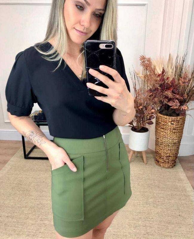Blusa Basica em Crepe com Decote em V Donna Ritz