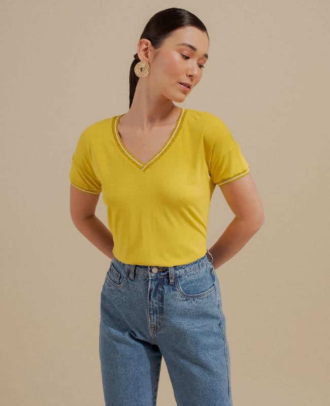 Blusa Basica em Malha com Retilinea Unique Chic