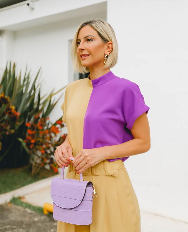 Blusa Bicolor em Crepe com Gola Alta Unique Chic