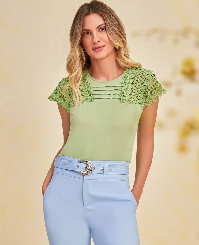 Blusa Crepe com Rendas Unique Chic