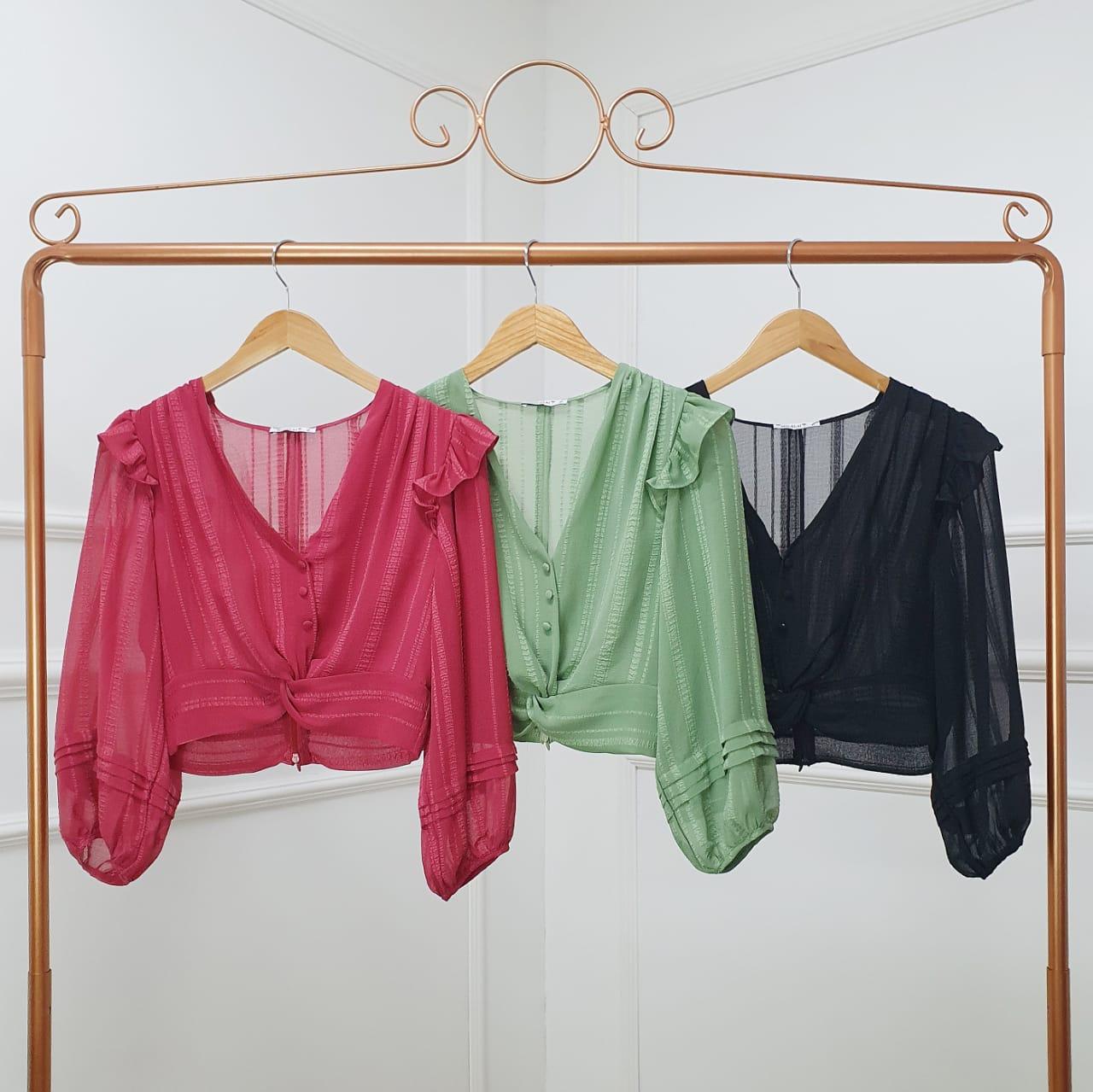 Blusa Cropped com Decote em V e Manga Bufante Milalai