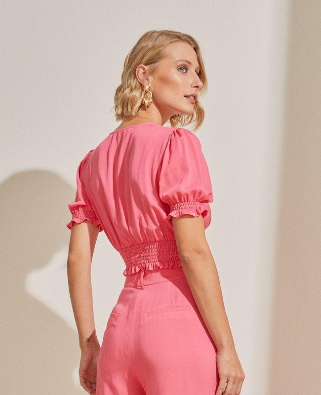 Blusa Cropped Decote em V com Lastex Unique Chic