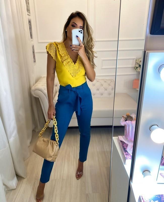 Blusa Decote V com Laise Unique Chic