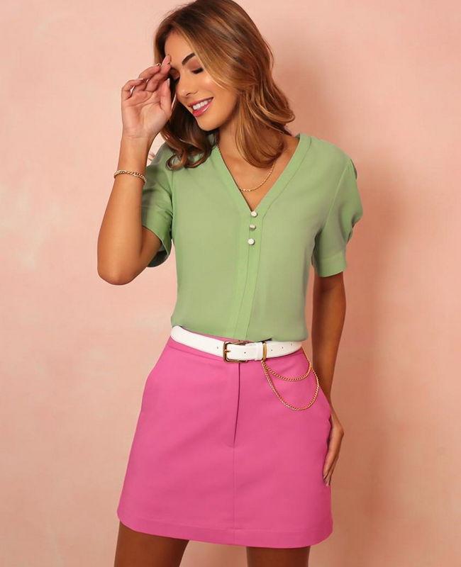Blusa em Crepe Decote V com Botoes Donna Ritz
