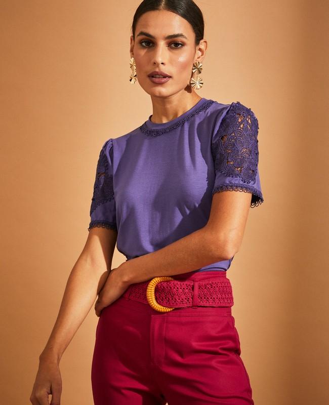 Blusa em Malha com Aplicacao de Renda Unique Chic