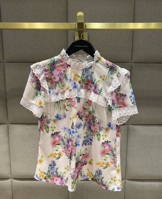 Blusa Estampa Floral com Detalhe de Rendas