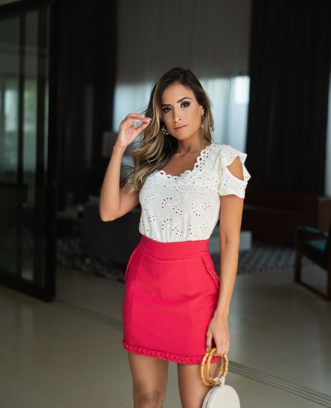 Blusa Feminina em Laise com Recortes e Renda_1