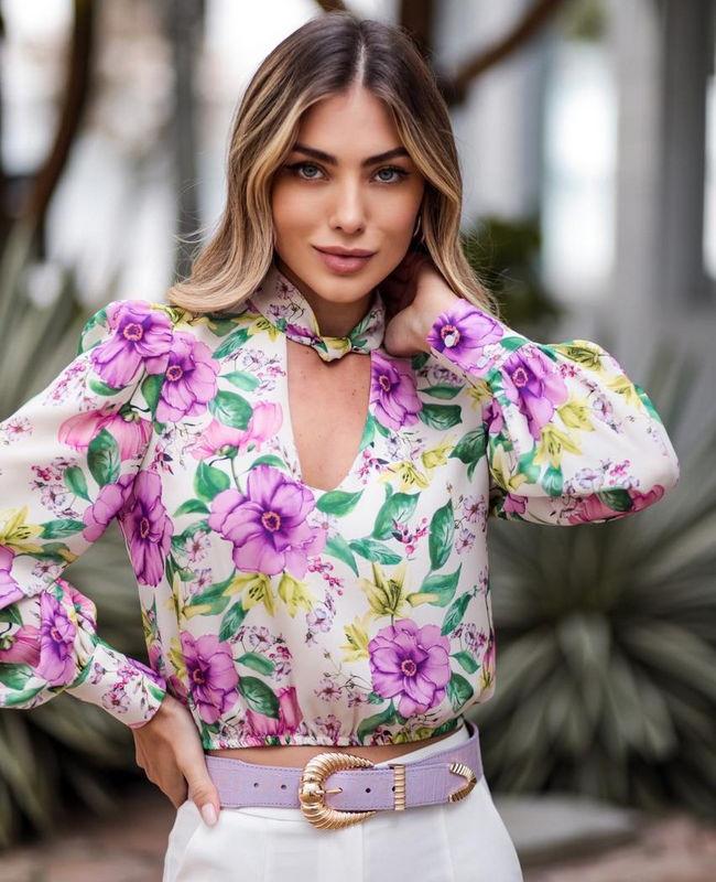 Blusa Floral com Nozinho na Gola Donna Ritz