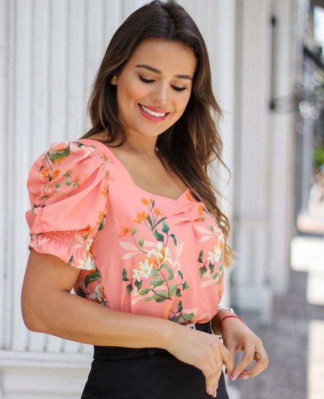 Blusa Floral Com Pregas Em Crepe Doce Flor