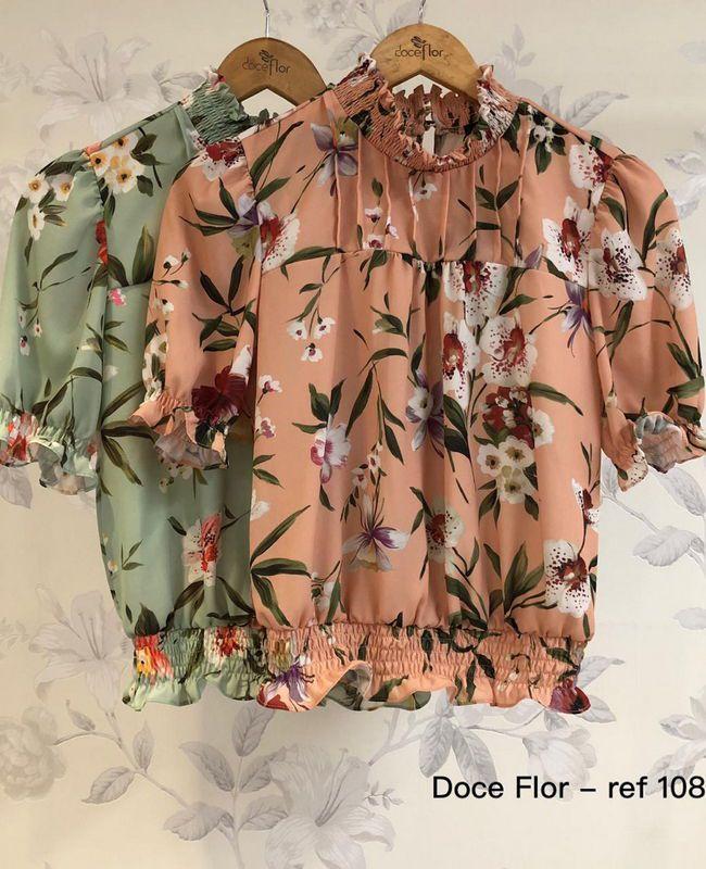 Blusa Floral Doce Flor Com Elastico Na Gola e Barrado