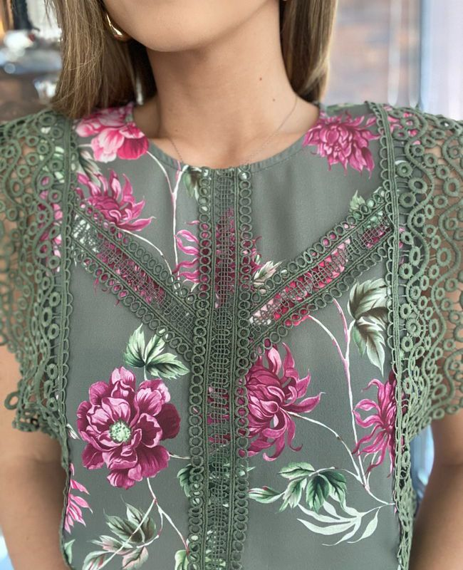 Blusa Floral Renda Unique Chic