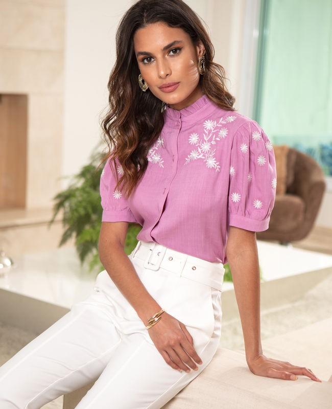 Blusa Gola Frufru com Detalhe em Rendas Unique Chic