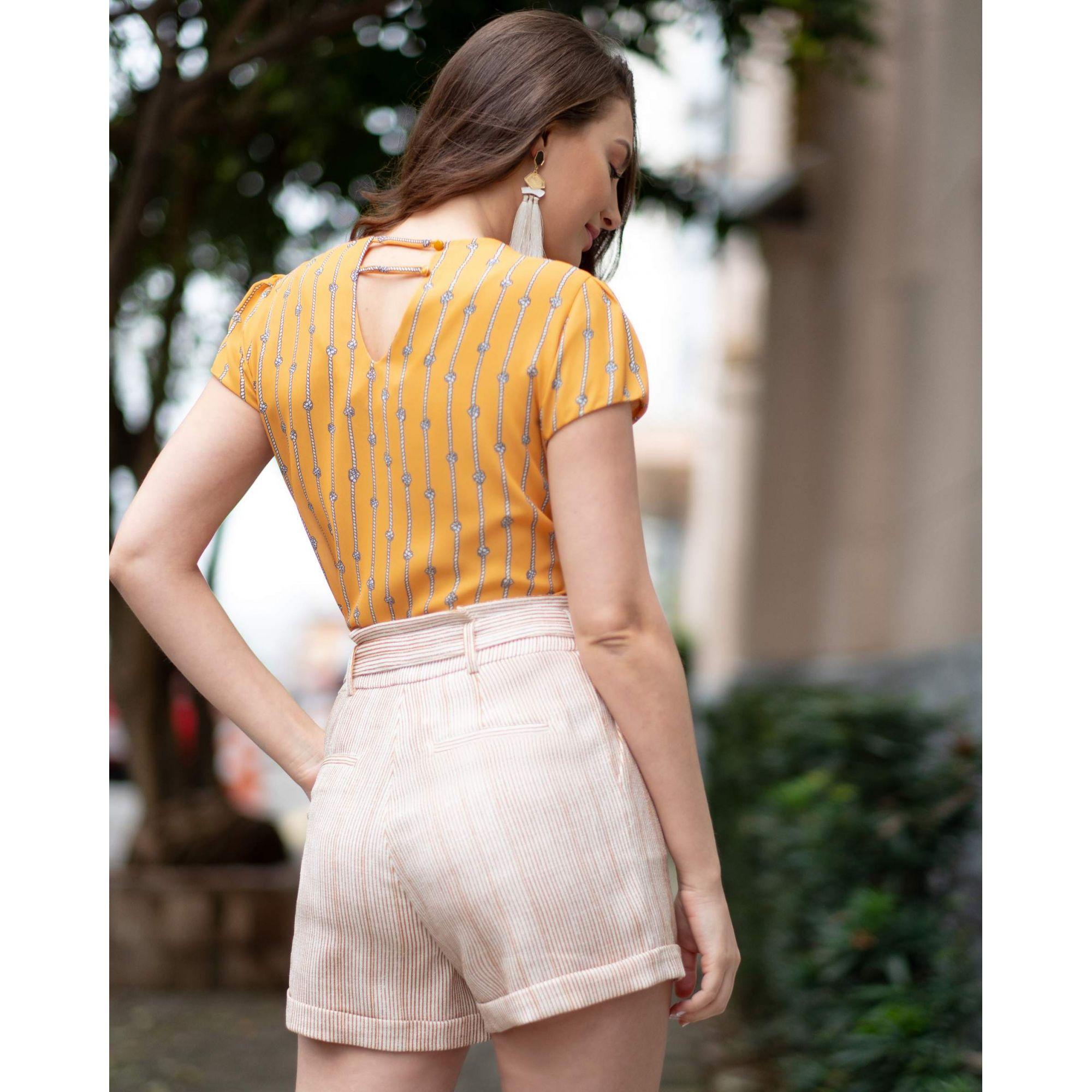 Blusa Manga Curta com Estampa Corda em Crepe Unique Chic