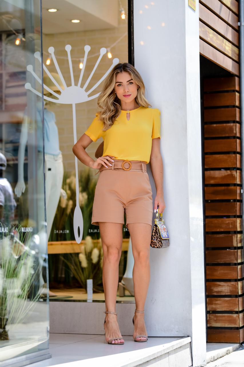 Blusa Milalai em Crepe com Detalhe Strass no Decote
