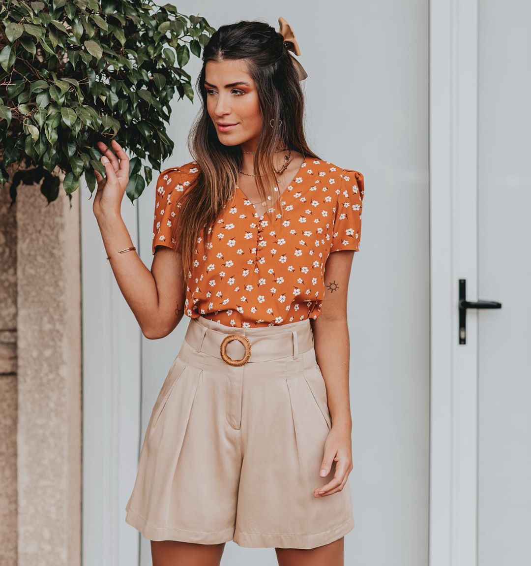 Blusa Milalai em Crepe com Mini Flores e Botoes