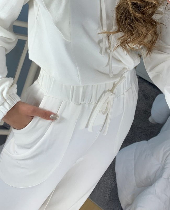 Blusa Moletinho Capuz Babados Unique Chic