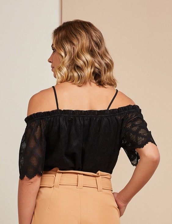 Blusa Ombro a Ombro Renda Unique Chic
