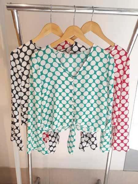Blusa Poas em Crepe com Manga Longa e Lacinho na Frente Milalai