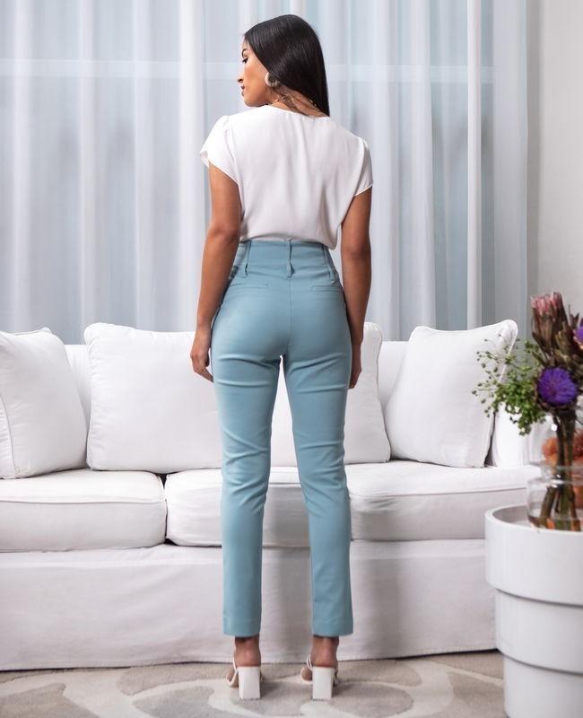 Calca Skinny com Botoes Forrados Unique Chic