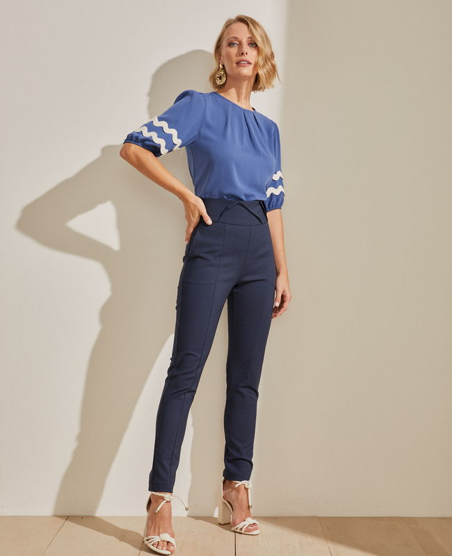 Calca Skinny com Cos Largo e Vinco Frontal Unique Chic