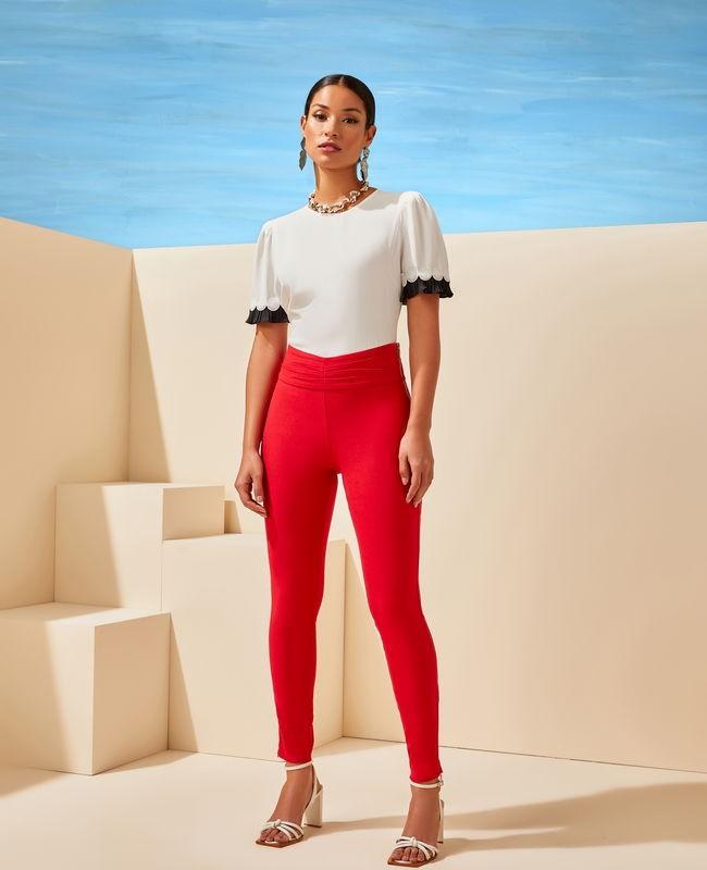Calca Skinny com Detalhe na Frente e Ziper na Lateral Unique Chic