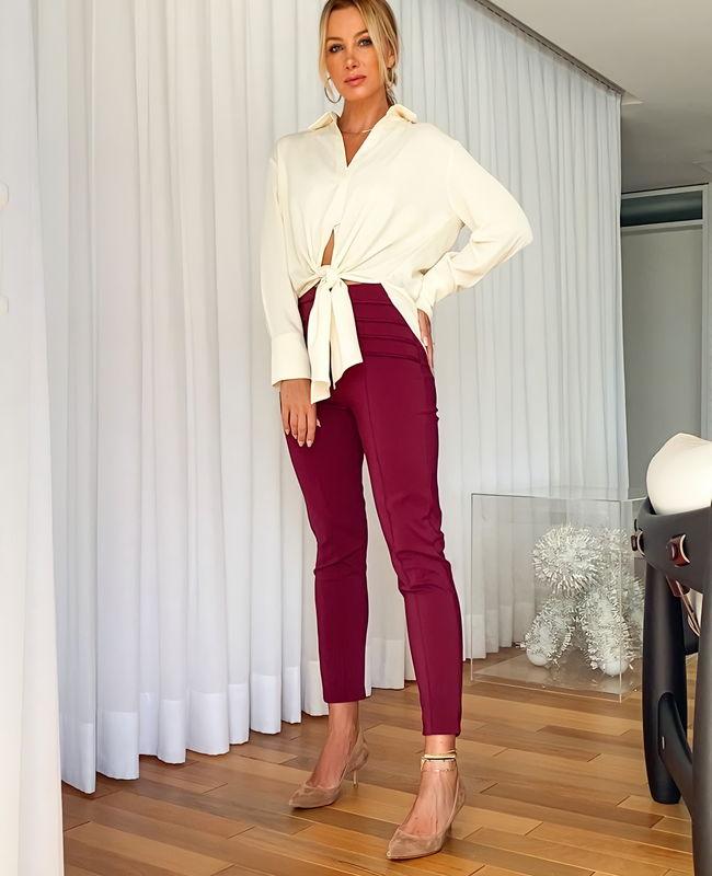Calca Skinny em Alfaiataria com Detalhe de Corda Unique Chic