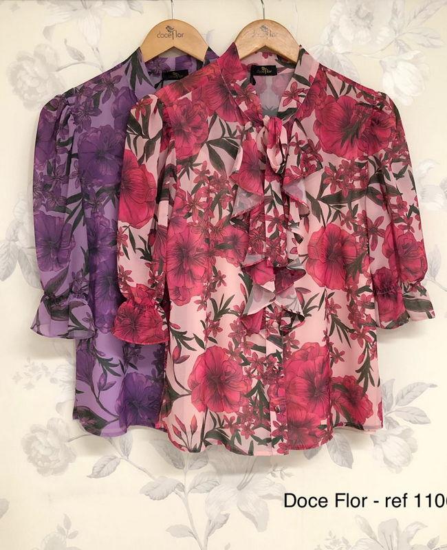 Camisa com Jabots Estampa Floral Doce Flor