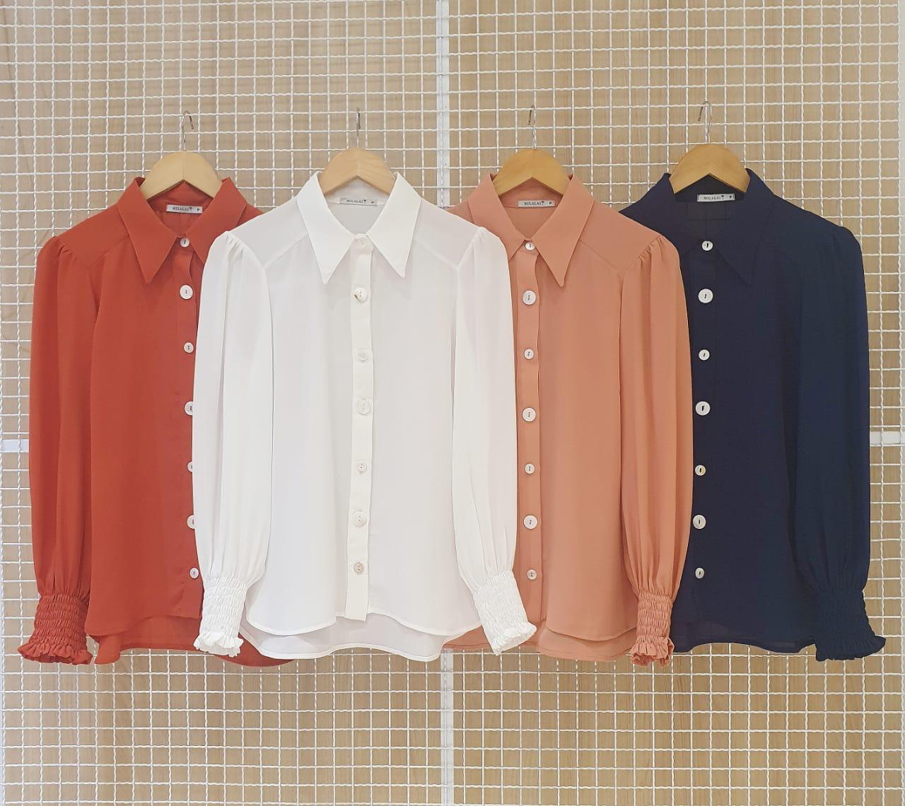 Camisa Milalai em Crepe com Mangas 34 e Botoes