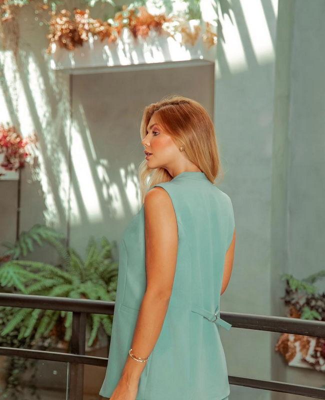 Colete Alfaiataria com Recortes na Lateral Donna Ritz