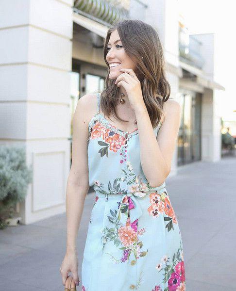 Regata Floral Doce Flor em Crepe com Rendinha no Decote e Alca Fina