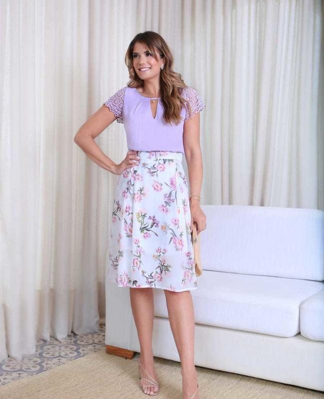 Saia Midi Floral com Pregas Doce Flor