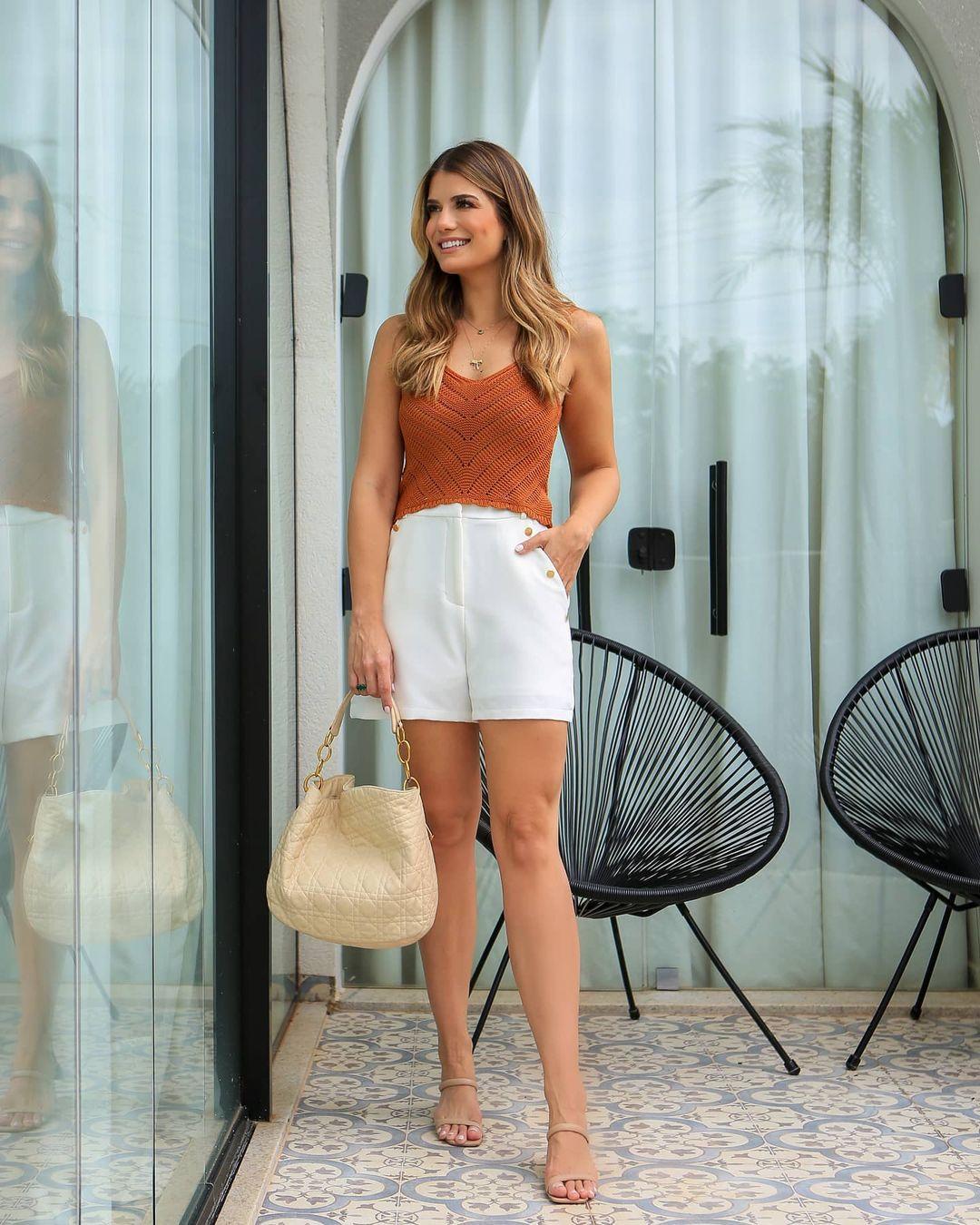 Shorts Alfaiataria com Detalhe de Botoes Doce Flor