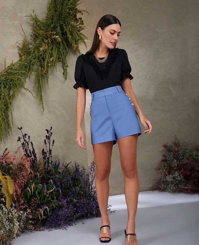 Shorts Alfaiataria com Detalhe de Botoes na Lateral Unique Chic