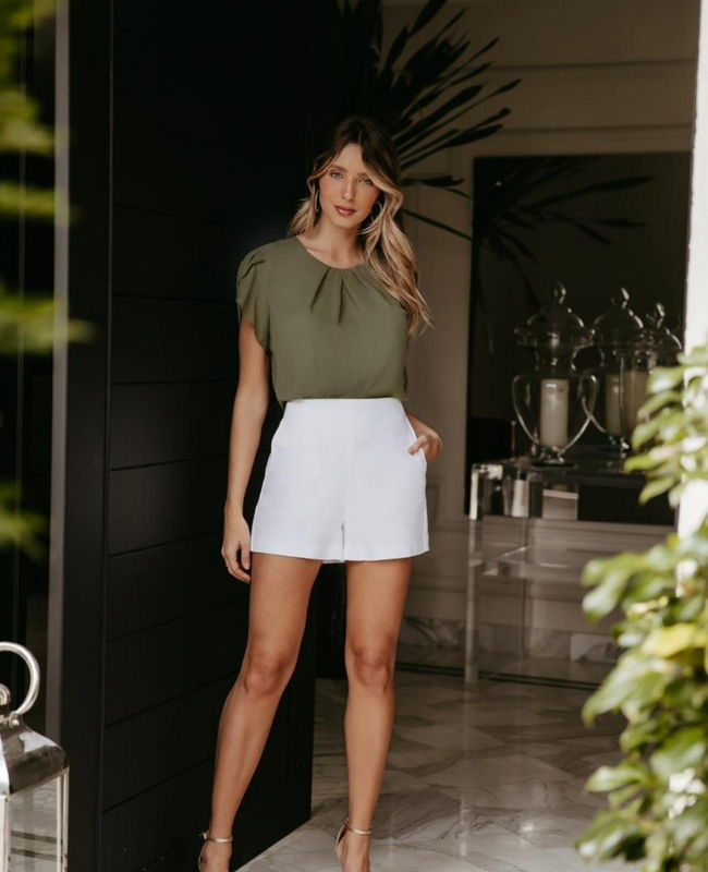 Shorts em Alfaiataria Compact Cotton com Bolsos Donna Ritz