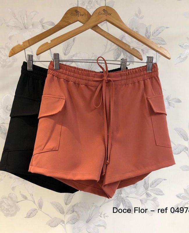 Shorts em Crepe com Bolsos Doce Flor