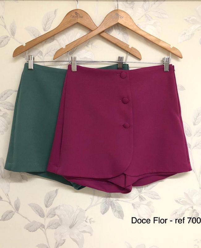 Shorts Saia com Botoes Forrados Doce Flor