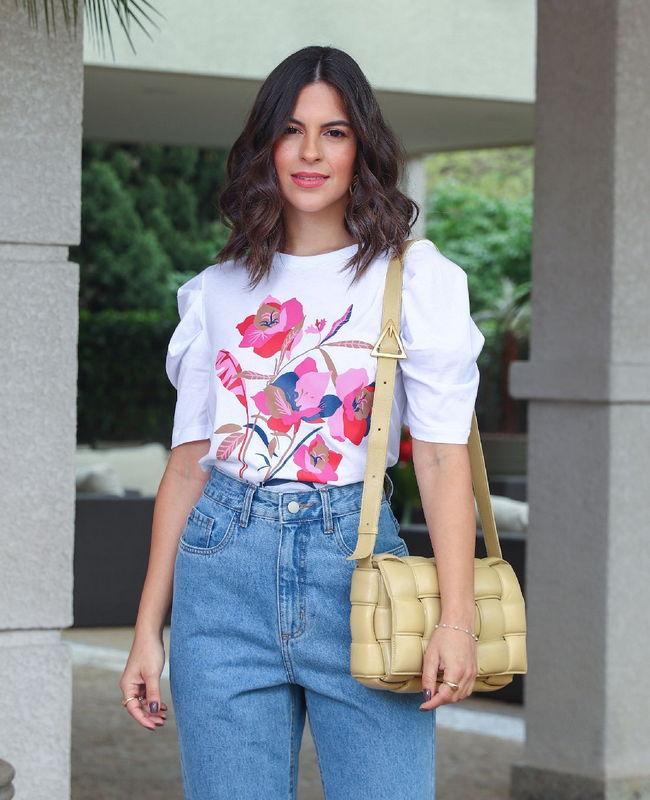 Tshirt em Algodao com Estampa Floral Unique Chic