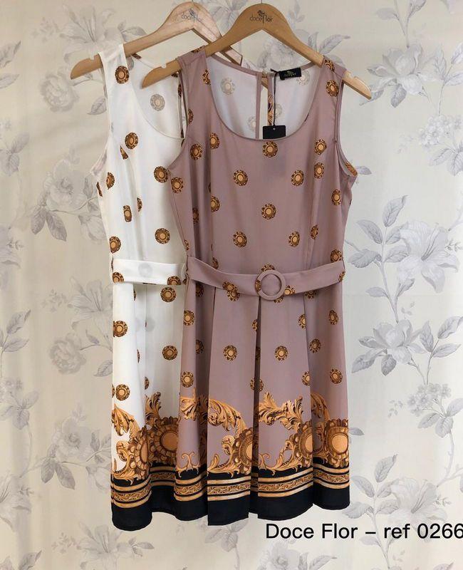 Vestido em Crepe com Cinto e Barrado Estampado Doce Flor